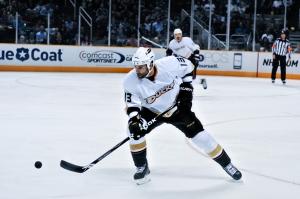 Mike_Brown_(ice_hockey)